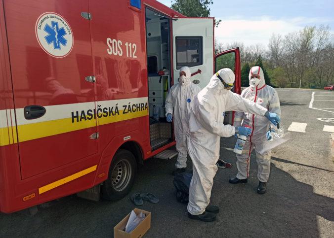Koronavírus: Na Slovensku máme takmer 1100 prípadov, vláda má plán pre DSS aj rómske osady a Google opäť ďakuje (online)