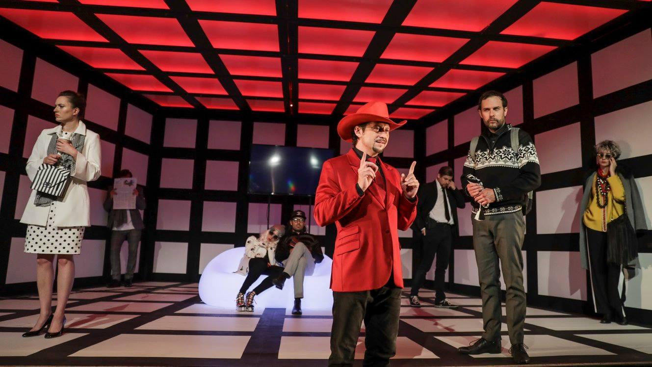 Video: Vianoce v divadle 2017 - Na Terasu slávy tento rok pribudne Martin Huba a Simona Stašová.