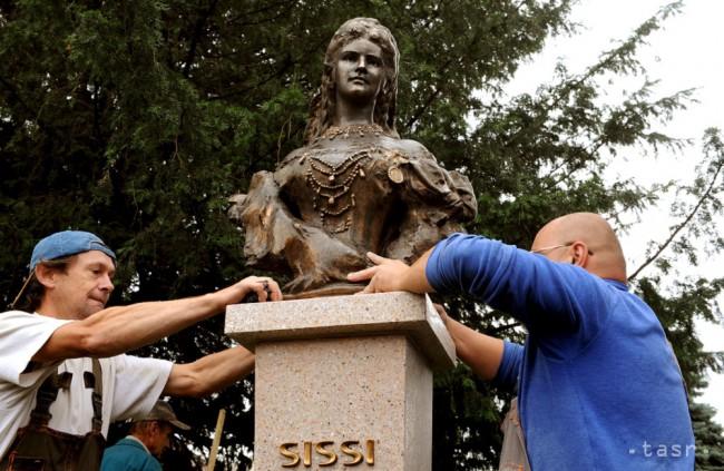 Busta cisárovnej Sissi sa nachádza v Južnom parku v centre Prešova.