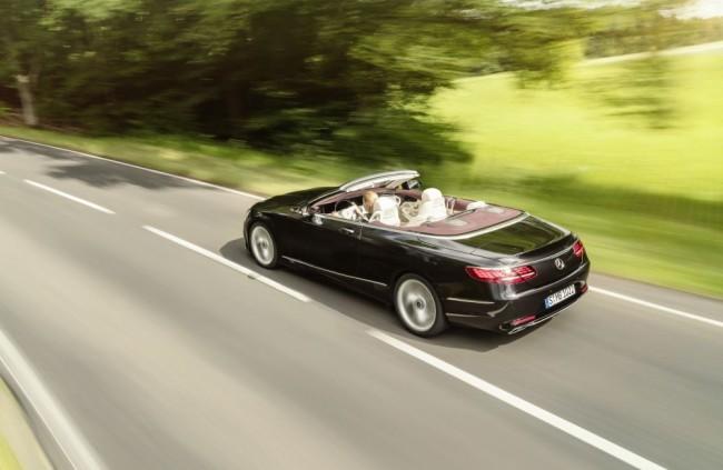 Kabriolet Mercedes-Benz Triedy S má osobité postavenie. Je to model, ktorý nesúperí so svojimi nemeckými konkurentmi, ale s Bentley, Astonom Martinom či s Ferrari.