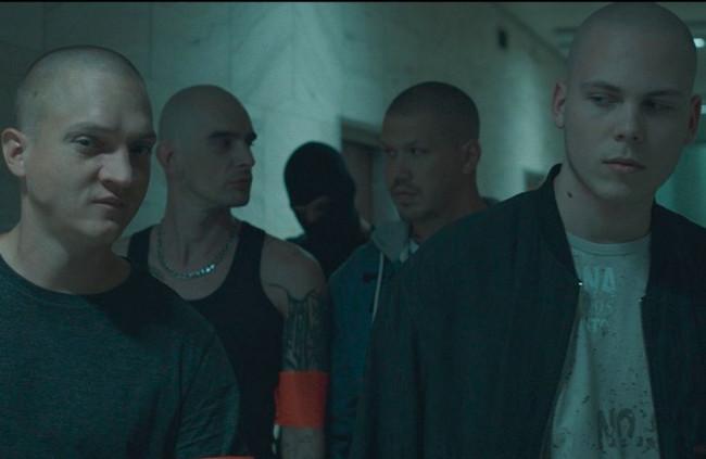 Záber z filmu Ostrým nožom.