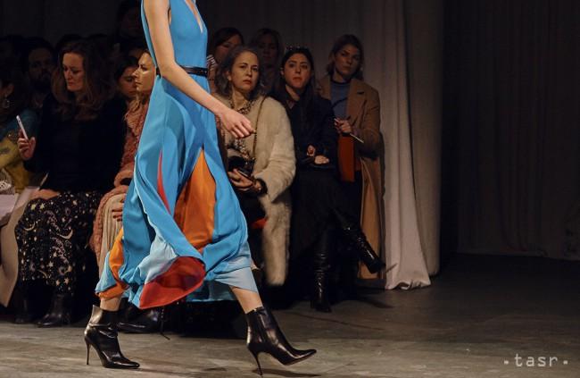 Kreácia z kolekcie značky Carolina Herrera na prehliadke počas týždňa módy v americkom New Yorku 12. februára 2018.
