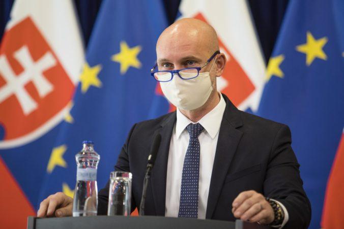 Minister Gröhling nechce v školstve škrtať, ale zefektívňovať využívanie financií