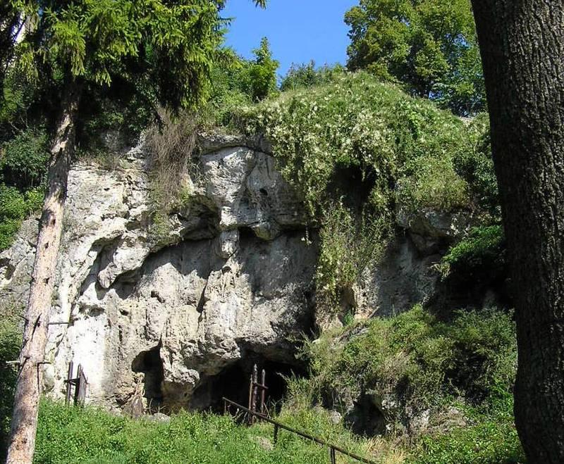 Boli už neandertálci abstraktní umelci? Navštívte región Horná Nitra-Bojnice a zistite viac...