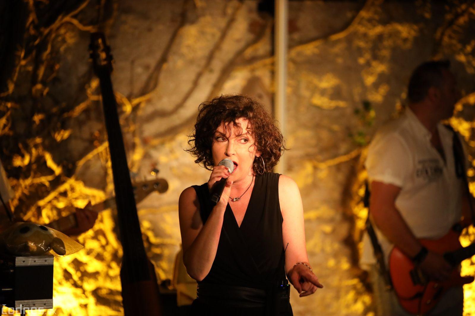 Beáta Dubasová vydáva kompiláciu Najväčšie hity 1985 - 2020