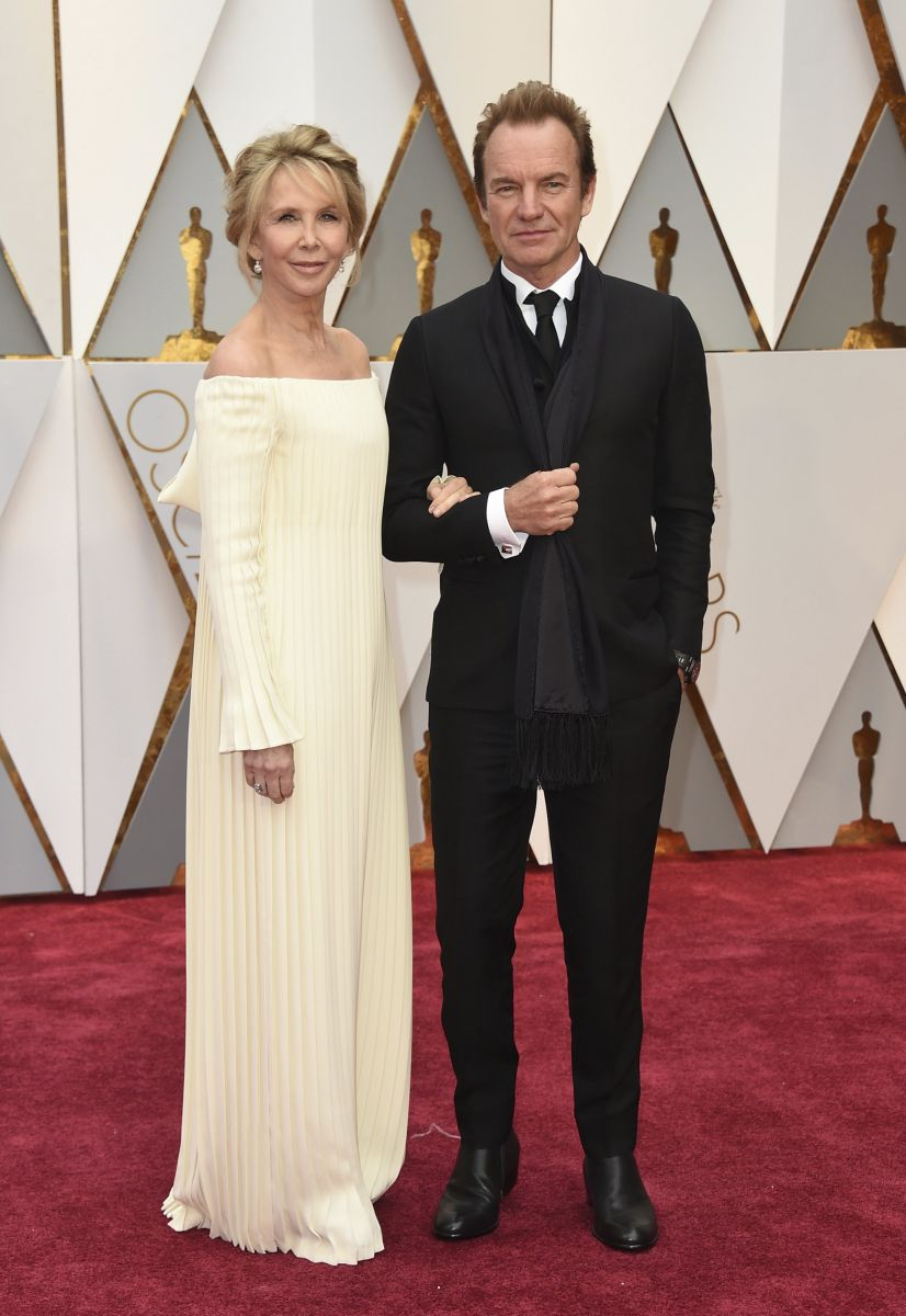 Trudie Styler, left, and Sting arrive at the Oscars on Sunday, Feb. 26, 2017, at the Dolby Theatre in Los Angeles. (Photo by Jordan Strauss/Invision/AP)