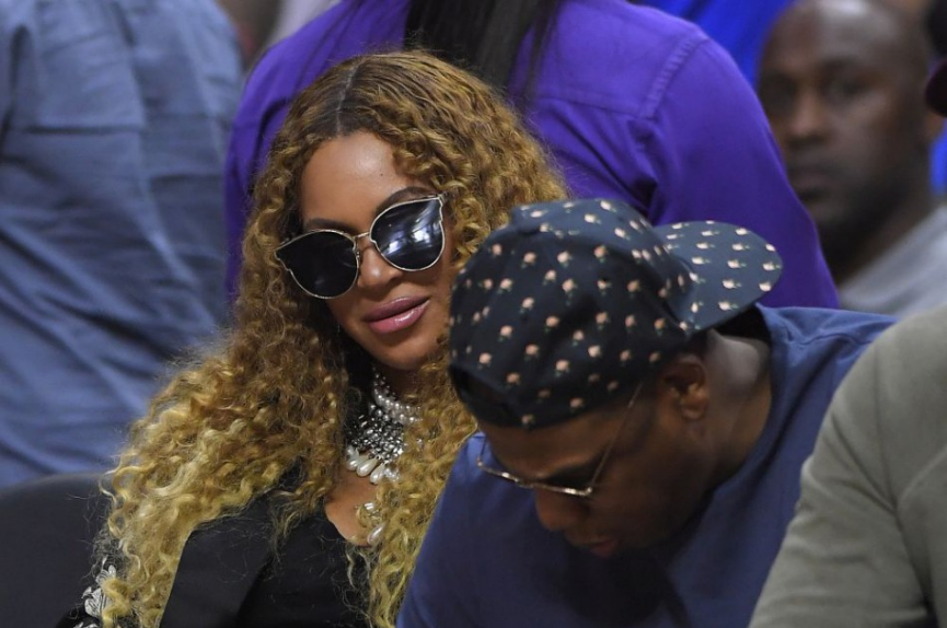 Beyonce požaduje stíhanie policajtov, ktorí zastrelili Afroameričanku