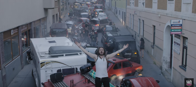 Video k piesni z posledného albumu Vajco