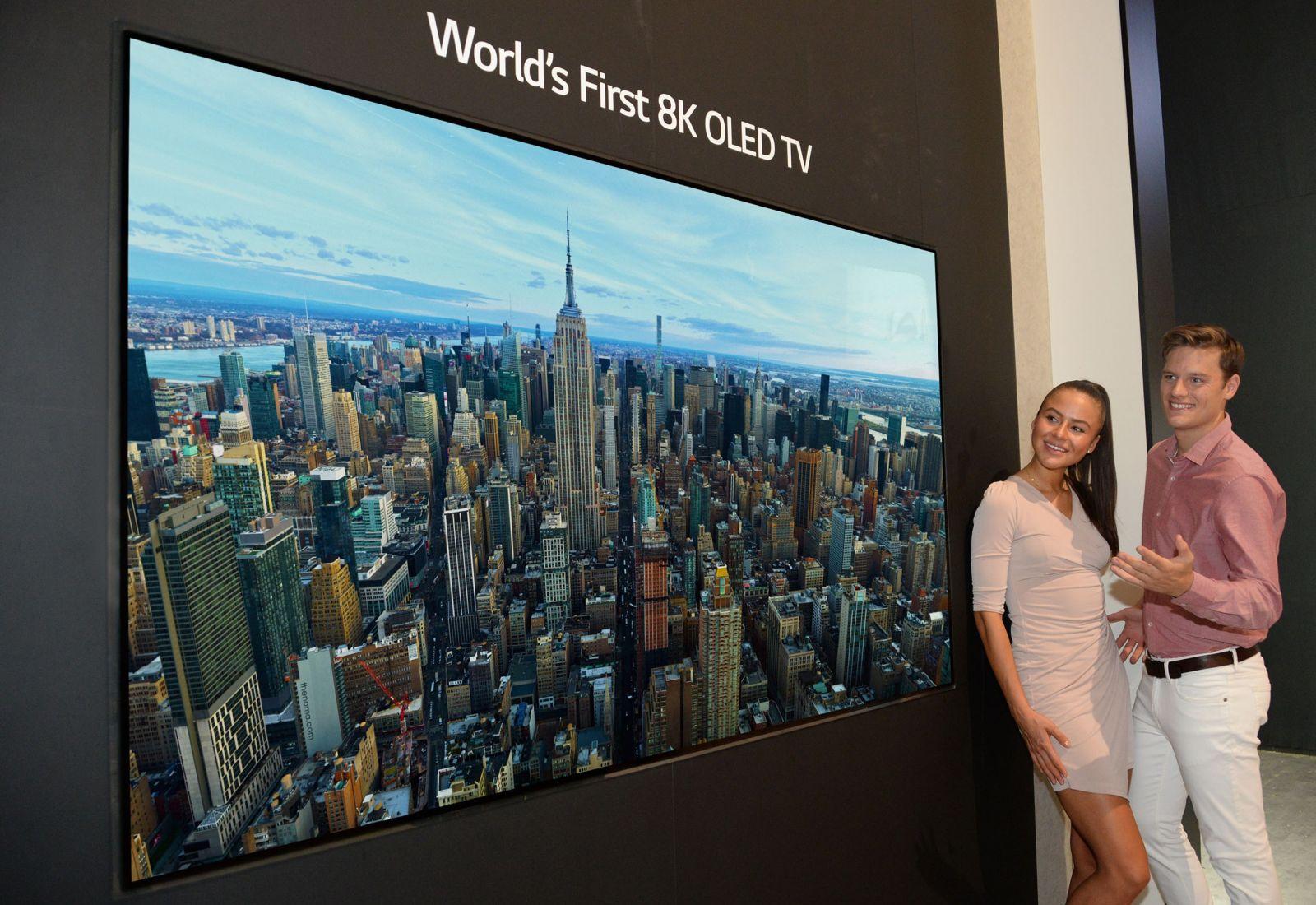 LG PREDSTAVUJE NA VEĽTRHU IFA PRVÝ 8K OLED TELEVÍZOR NA SVETE