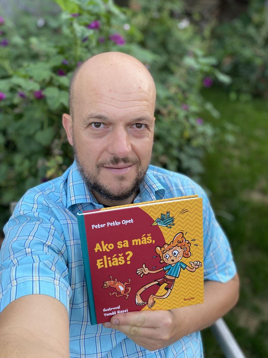 Petko z Polemicu píše opäť pre deti. Má novinku Ako sa máš, Eliáš?