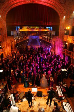 """344a9c851 Opera Ballu, cisár František Jozef dal požehnanie prvému """"koncertnému  soireé"""", do ktorého bola zainteresovaná aj Cisársko-kráľovská dvorná opera."""