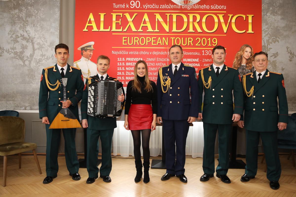 Prípravy na turné Alexandrovci na Slovensku vrcholia, zástupcovia súboru sa na ne prišli pozrieť