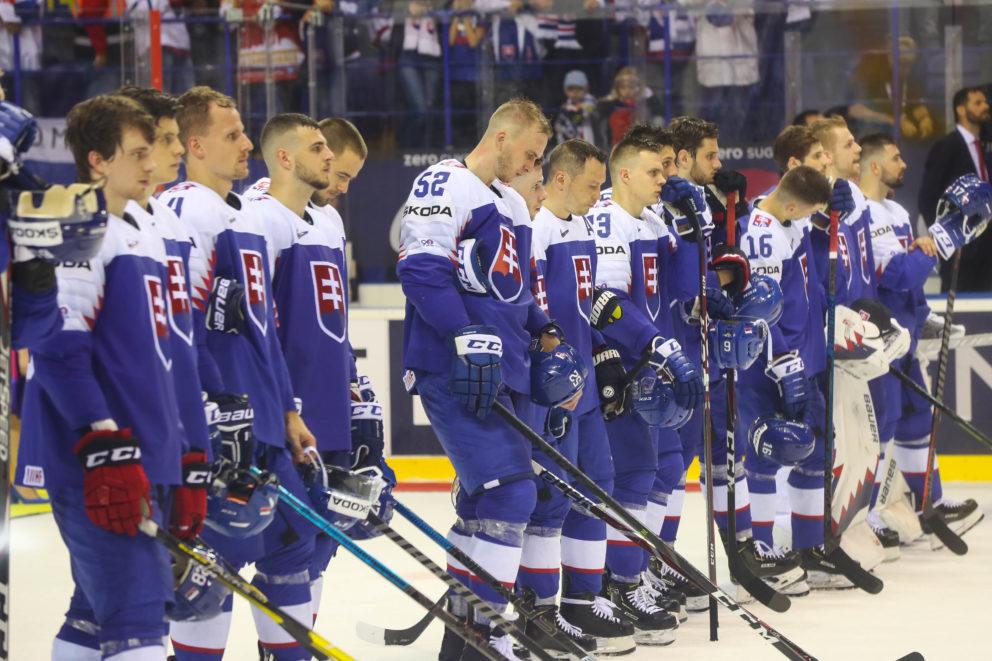 Smutní hrači Slovenska po zápase A-skupiny na MS v hokeji 2019, v ktorom Slovensko podľahlo Nemecku 2:3. Košice, 15. máj 2019.