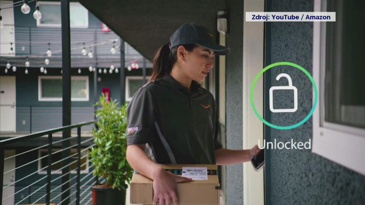 Video: Amazon bude dodávať balíky až do bytu. Odomkne si sám