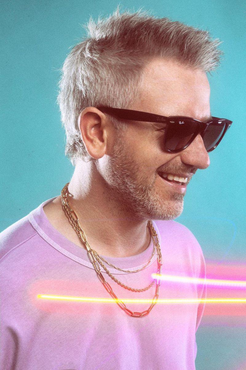 """Spevák a producent Andreas Imrich predstavuje svoj prvý singel """"Stádo koní"""""""