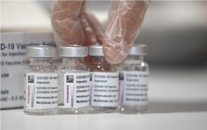 Zástupca EMA: Medzi vakcínou od AstraZeneca a zrazeninami je súvislosť