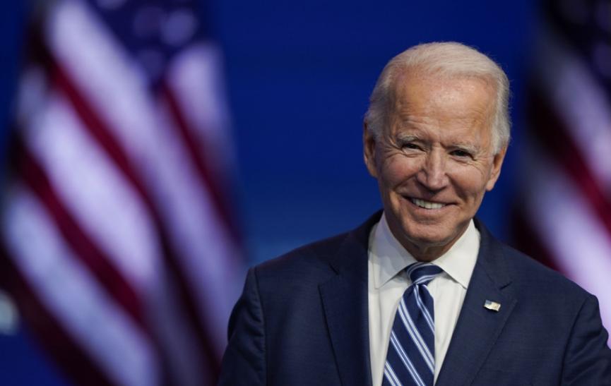 Zbor voliteľov dohlasoval, Biden vyhral v pomere 306 ku 232 hlasov