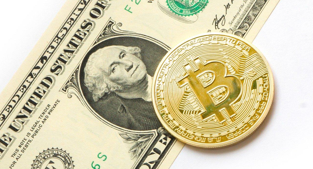 Hodnota bitcoinu prekročila hranicu jedného bilióna dolárov, za jeho rast môže niekoľko faktorov