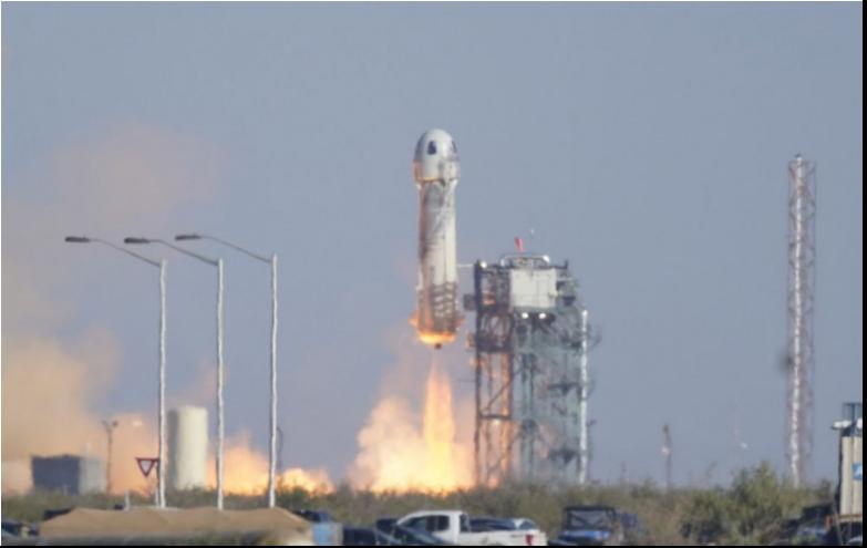Let Blue Origin bol úspešný, kapitán Kirk prekonal hranicu vesmíru