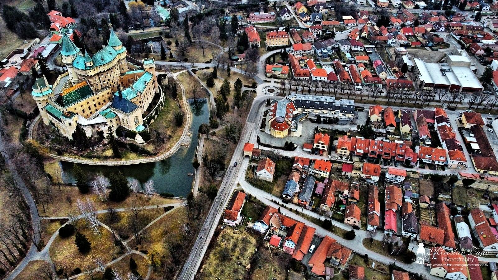 """Bojnický zámok - Múzeum Bojnice pripravilo pre milovníkov histórie a dávnych príbehov audio nahrávku povesti """"Bojnický kastelán""""."""