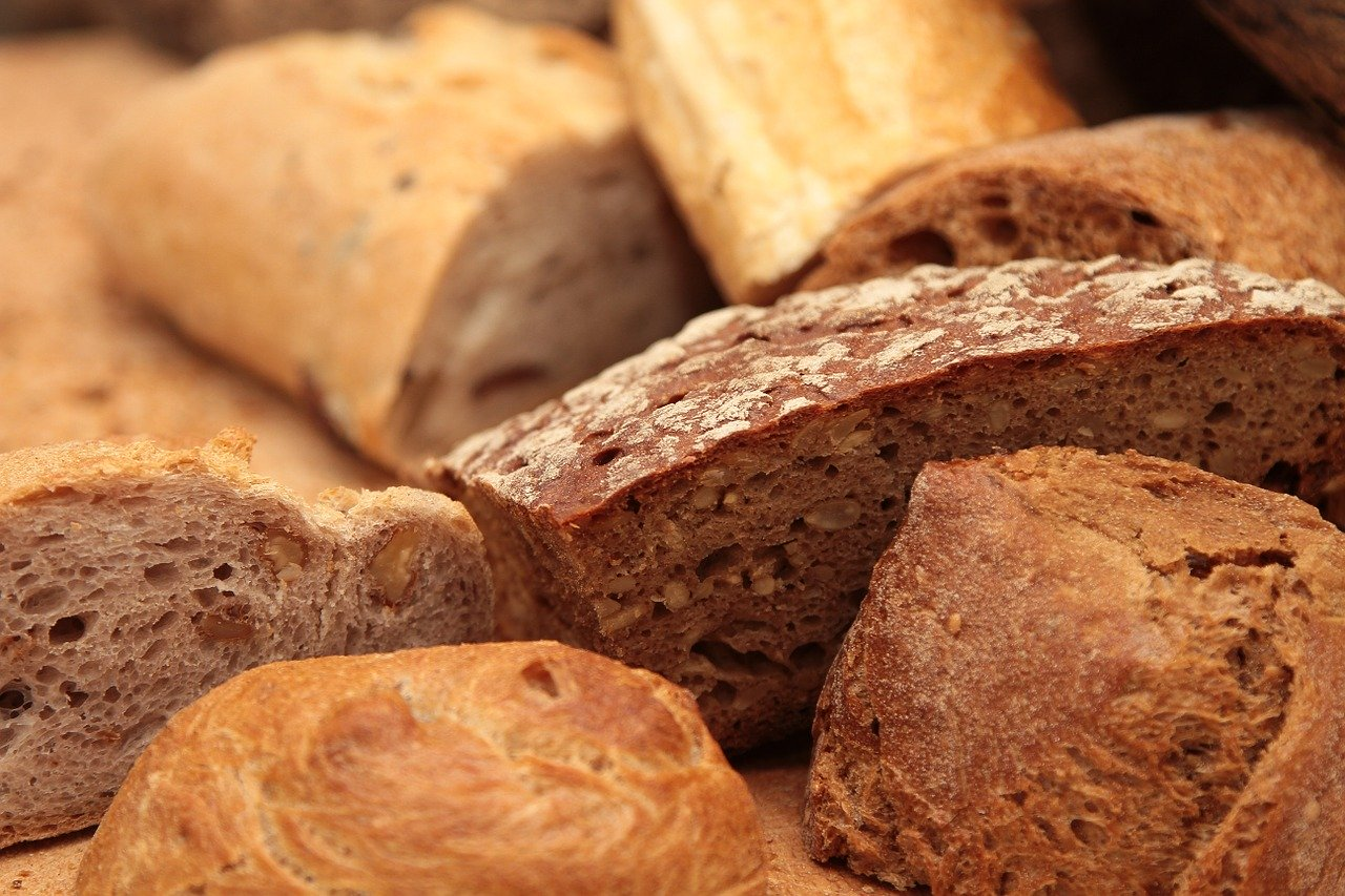 Za pšenično-ražný chlieb sme si poriadne priplatili, ale cena vaječných cestovín mierne klesla