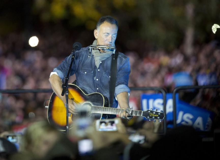 B. Springsteen dostal pokutu za konzumáciu alkoholu v národnom parku