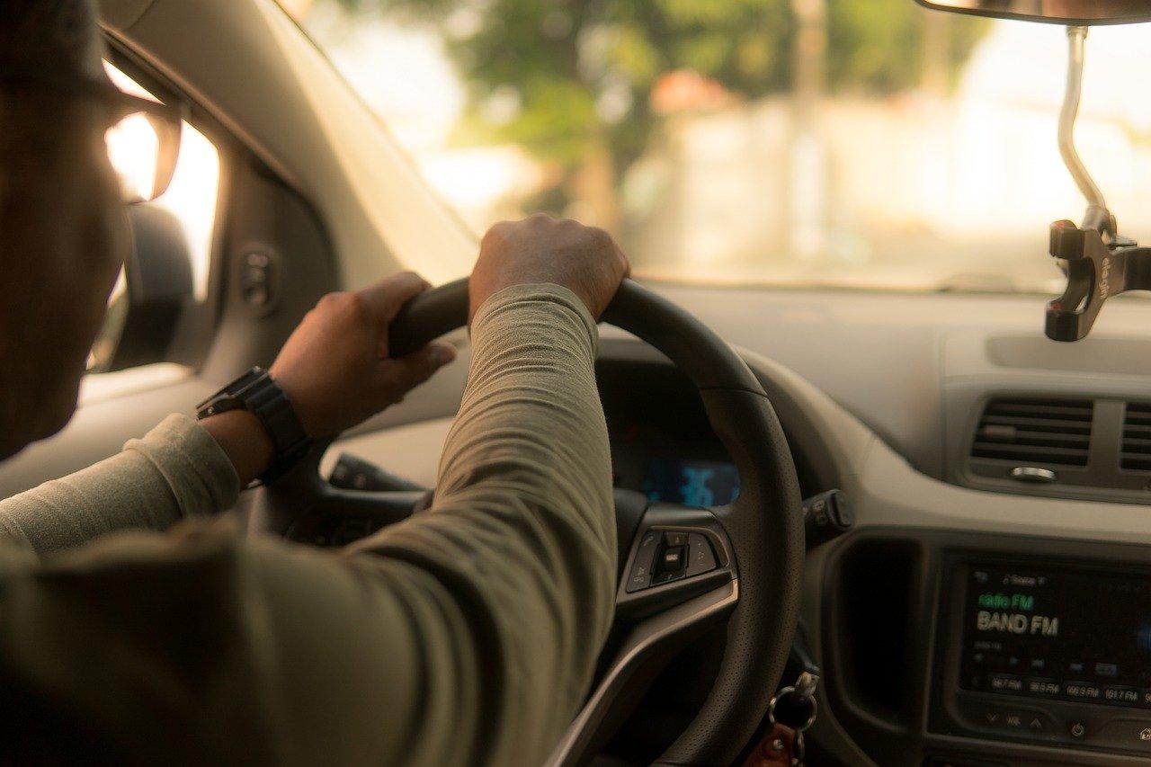 Dva týždne platenej dovolenky poskytne Uber pracovníkom nakazeným koronavírusom