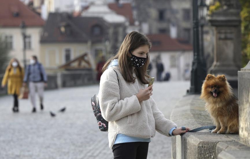 V Česku za piatok zaznamenali 5809 nových prípadov nákazy