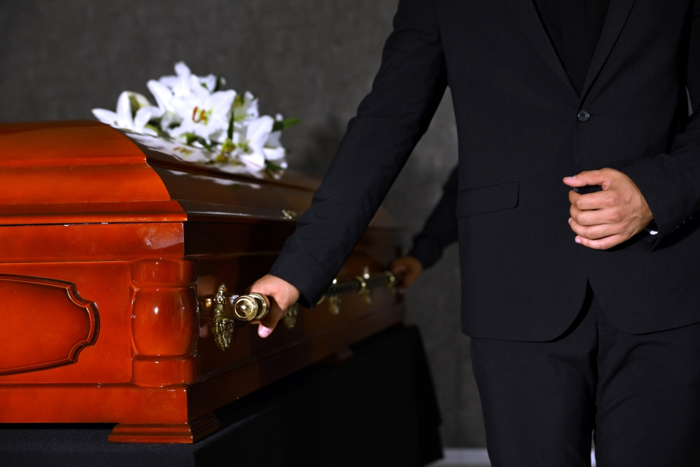 Zverte prípravu poslednej rozlúčky do rúk pohrebníctva