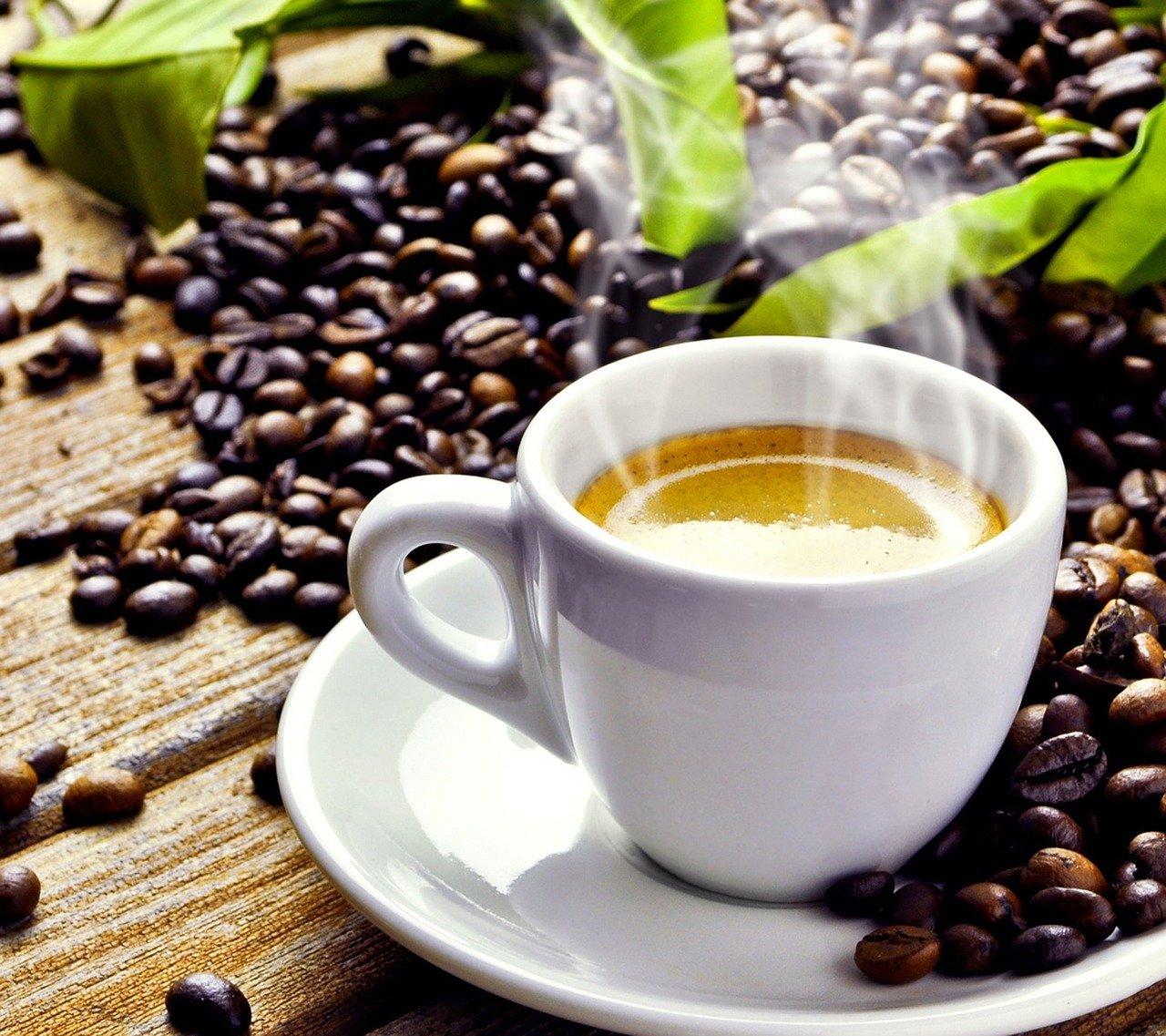 Objavili ďalší benefit pravidelného pitia kávy. Jej účinky by mohli chrániť aj črevá