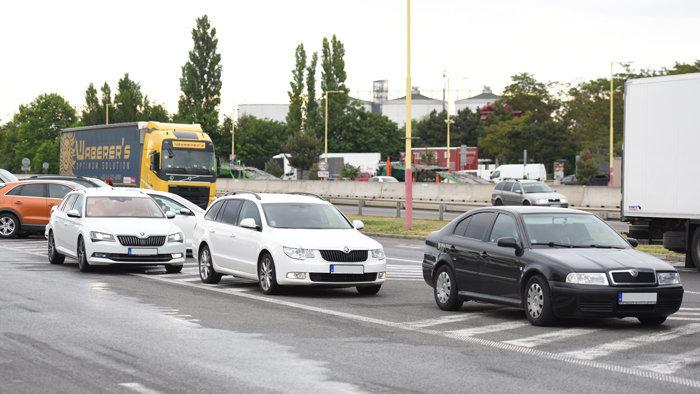 Majitelia fitnescentier diaľnicu úplne nezablokovali. Matovič ich pozval na úrad vlády