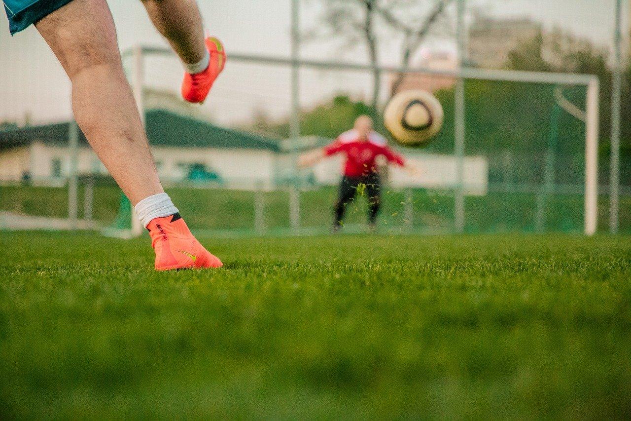 Na športovisku môže trénovať len jedna skupina do 6 osôb