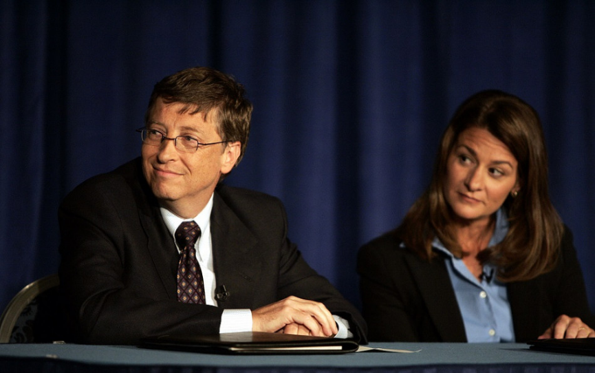 Nadácia Gatesovcov daruje 250 miliónov dolárov na boj proti COVID-19