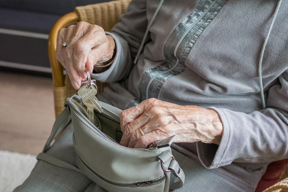 Vedci vyvinuli protilátku na boj s Alzheimerovou chorobou, vo výskume je aj očkovacia látka