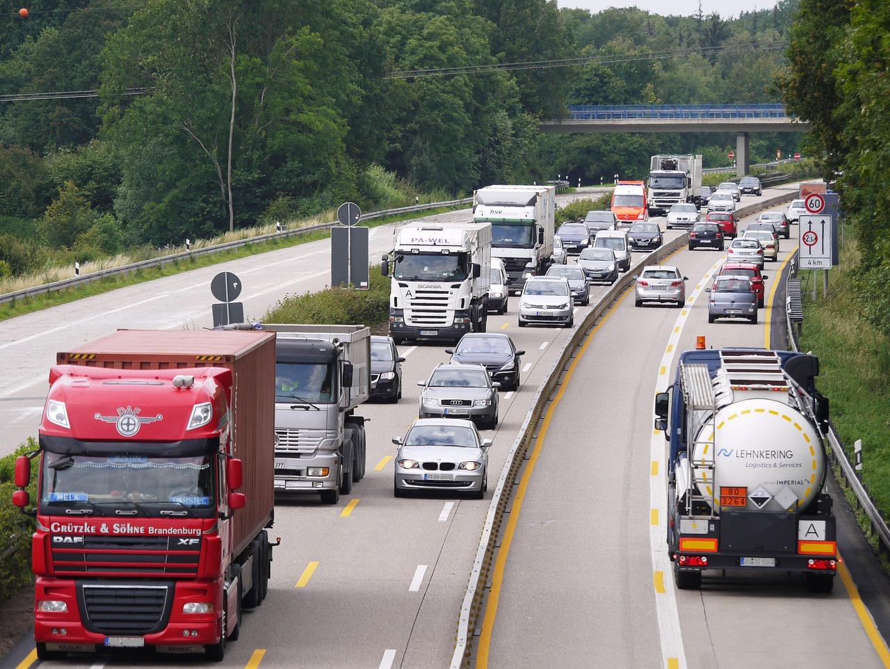 """Členovia EÚ majú bezodkladne určiť všetky medzinárodné hraničné priechody so """"zeleným jazdným pruhom"""""""