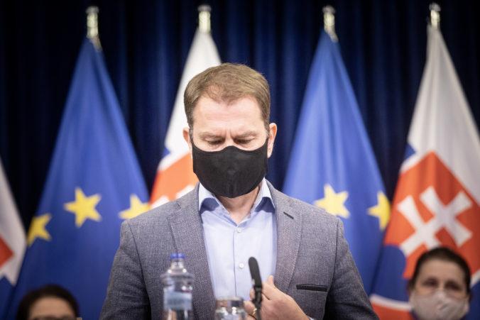 Ak porušíte Matovičove nariadenia, hrozí vám pokuta 1659 eur. Za tvár bez rúška môžete prísť o tisícku