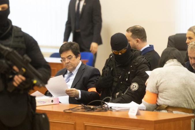 Súd v kauze vraždy Kuciaka (6. deň): Zsuzsová priznala komunikáciu s politikmi, rozhodlo sa aj o Threeme (foto)