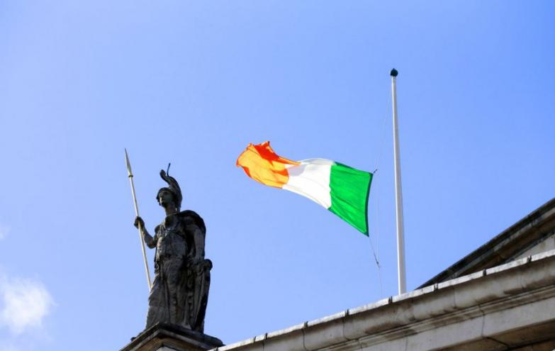 Uvoľneníe opatrení v Írsku na Vianoce dramaticky zhoršilo situáciu