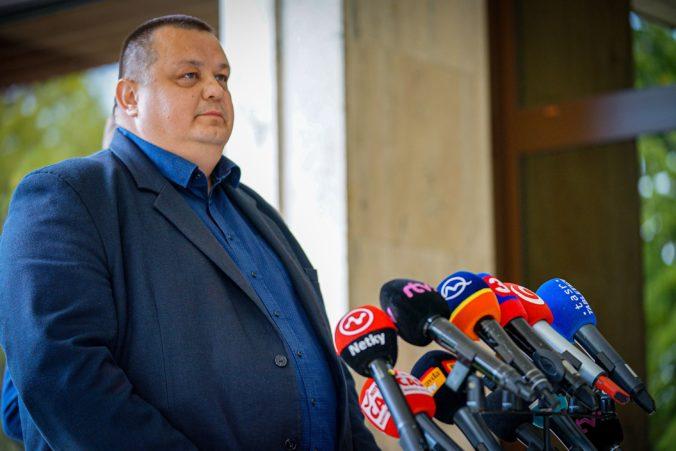 Počet nových prípadov koronavírusu na Slovensku stúpa, infikovaných Mikas rozdelil do troch skupín