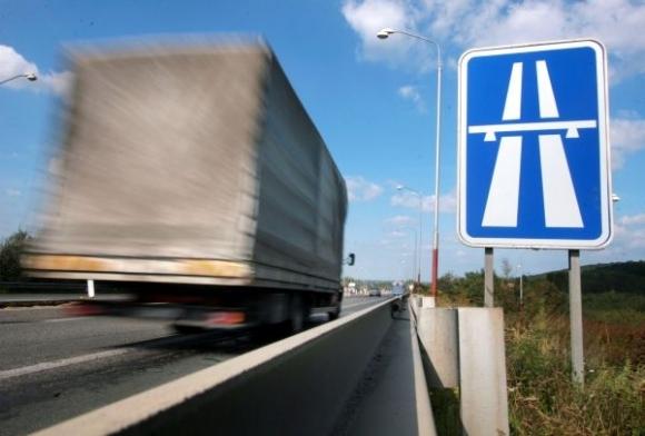 Voľby 2020: Ako chcú politické strany naložiť s diaľnicami a rýchlostnými cestami?