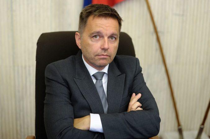 Falošná reklama zneužíva meno Petra Kažimíra, NBS podáva trestné oznámenie