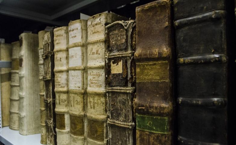 Slovenská národná knižnica (SNK) v Martine sprístupnila v Digitálnej knižnici SNK prvú národnú slovenskú knižnicu