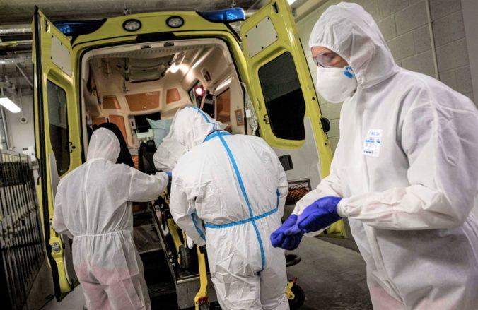 Koronavírus: Na Slovensku pribudli stovky nakazených a desiatky hospitalizovaných, počet úmrtí