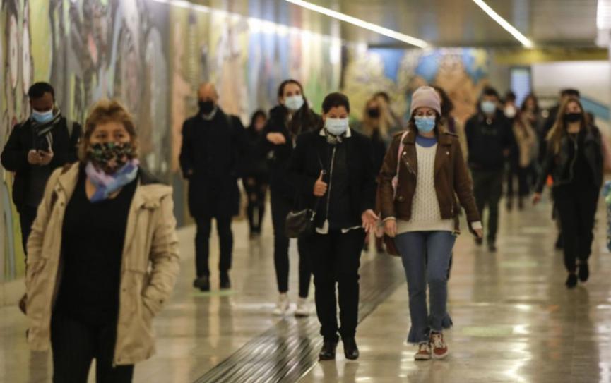 Európa hlási rekordných vyše 927.000 nových prípadov nákazy za týždeň