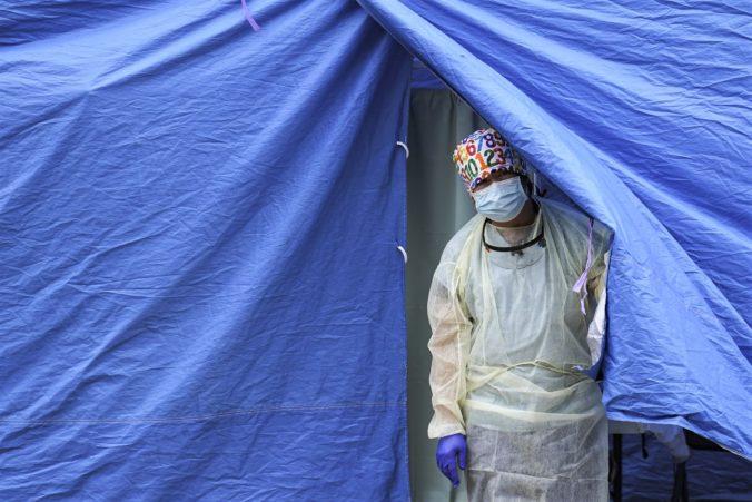 Koronavírus: Na Slovensku nepribudlo žiadne úmrtie, PCR testy odhalili 551 nakazených a vyliečili sa ďalšie tisícky ľudí