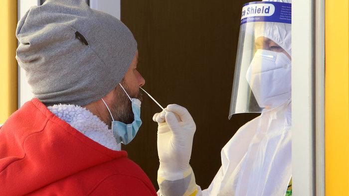 Koronavírus: Na Slovensku pribudlo 258 nakazených, zaočkovali vyše 18-tisíc ľudí
