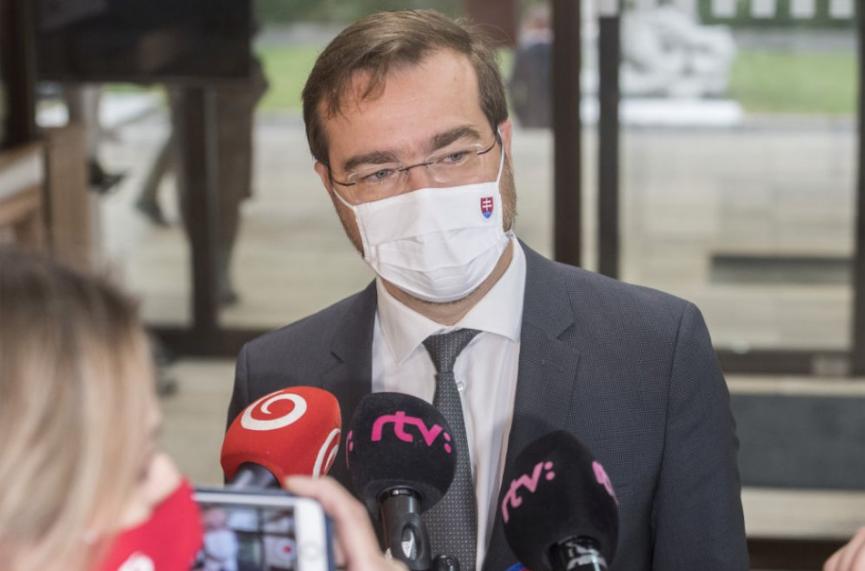 Minister zdravotníctva Marek Krajčí povedal, že dokážeme denne testovať 100-tisíc ľudí, ale aj tak nemáme infekciu pod kontrolou.