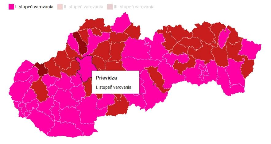 Slovensko prechádza do ružovej fázy, hodiny pre seniorov sa rušia