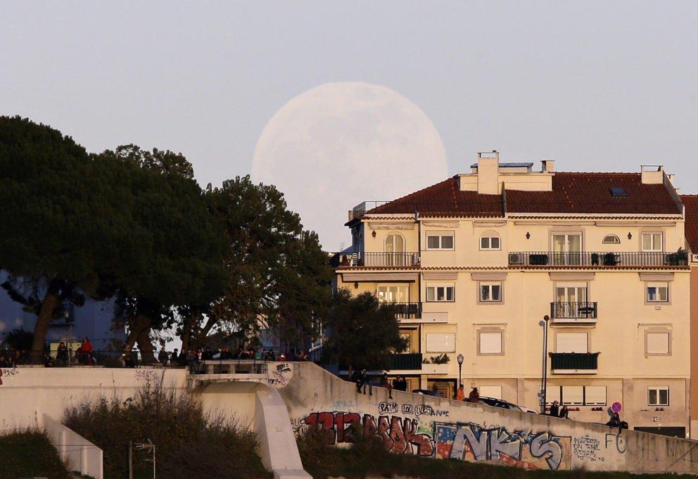 Zatmenie Mesiaca vo svete
