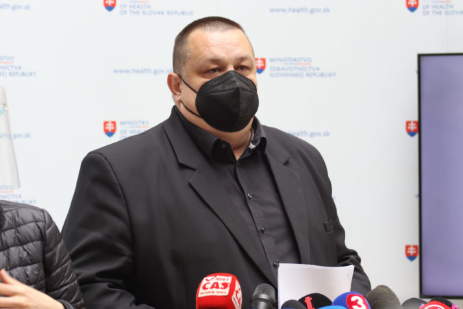 Lengvarský, Mikas a Mišík predstavili opatrenia proti koronavírusu platné od 17. mája a nový Covid automat